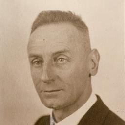 Buck, Ezra (1900-1981)